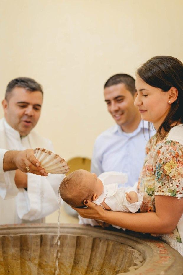 fotografia bautizo, fotografia original bautizo, bautizo medellin, bautizo, sacramento, fotografos, fotografo medellin, mas que 1000 palabras, mas que mil palabras, familias